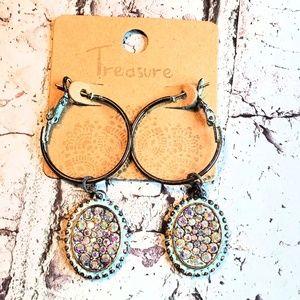 Jewelry - Mint green patina rhinestone dangle earrings